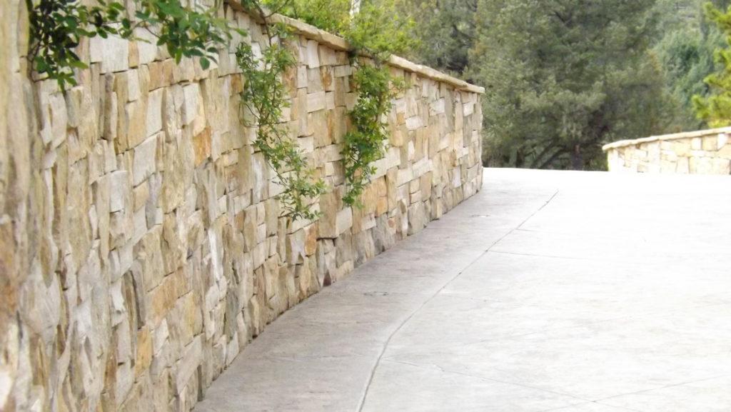 Rim Club Blend Retaining Wall
